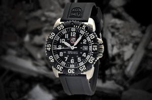 3151-Navy-Seal-Luminescent-Watch